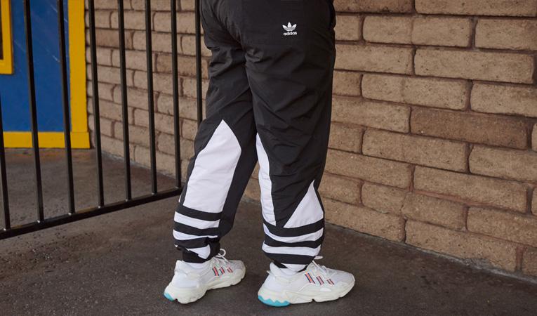 257f37495443 ... adidas Originals je stylové oblečení a obuv