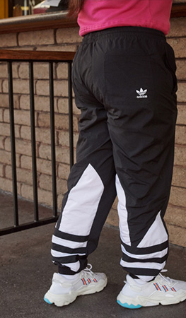 0177ec07fcc4 adidas Originals je stylové oblečení a obuv ...